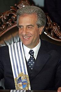 La caida de la (buena) imagen del Presidente Vazquez es dramática